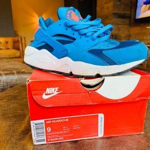 Nike Hurrachi Sz 9